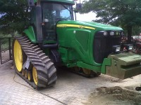 Trattore agricolo John Deere 8520T
