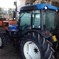 Trattore agricolo New Holland T4050F