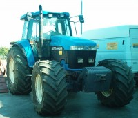 Trattore agricolo New Holland 8970