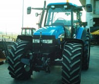 Trattore agricolo New Holland TM 140