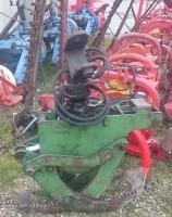 Macchina per la manutenzione del verde  pinza per tronchi con rotore e cavallotto
