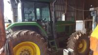 Trattore agricolo John Deere 7700